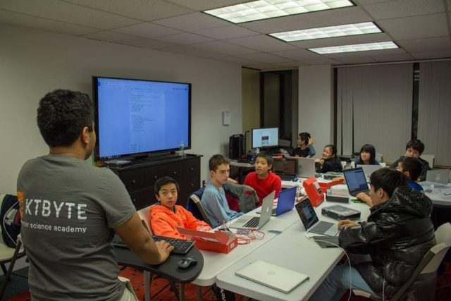 A live class at KTBYTE's headquarters. \ Image: KTBYTE