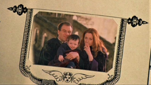 Photo album shot of James, (toddler) Harry, and Lily Potter from the movie