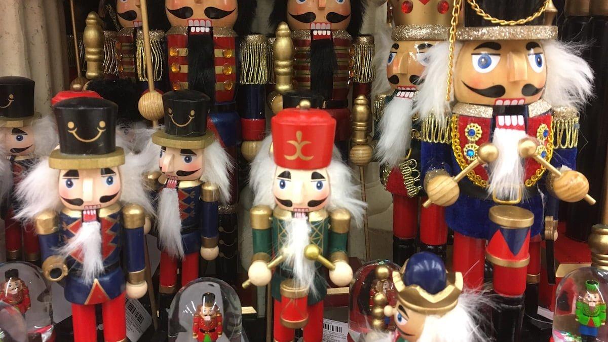 ChristmasMarketFeature