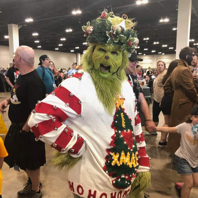 Amazing makeup on this Grinch!