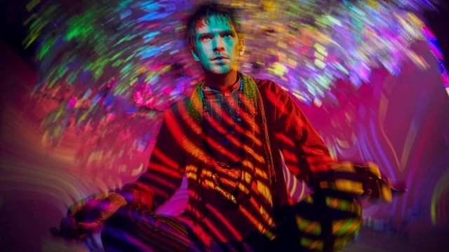 Dan Stevens as David Haller in psychedelic lighting