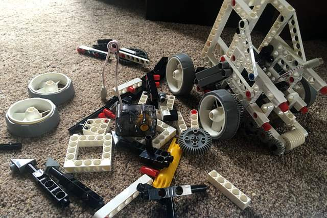 Building a Mars Rover, Image Sophie Brown
