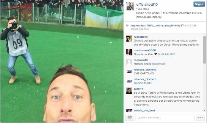 officialtotti-instagram-selfie-comemoracao-gol-roma-lazio-blog-geek-publicitario