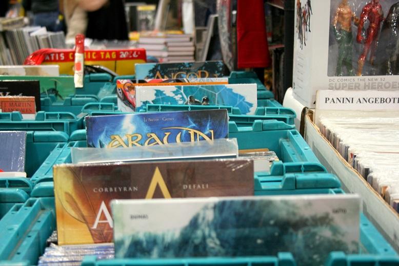 Comics in Kisten auf einer Comicmesse. Foto: Lilli/geek's Antiques