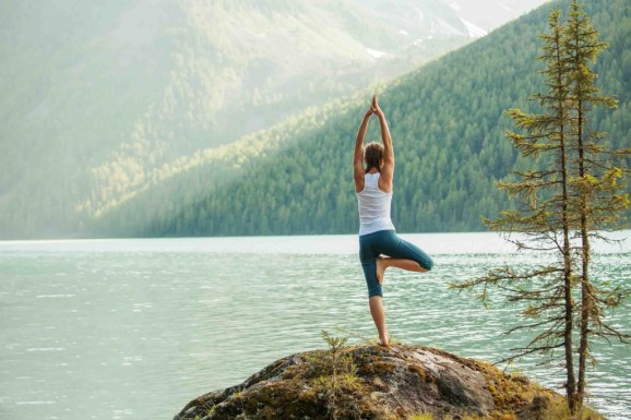 7-Yoga-Poses-To-Lose-Weight-Vrksasana-1024x683