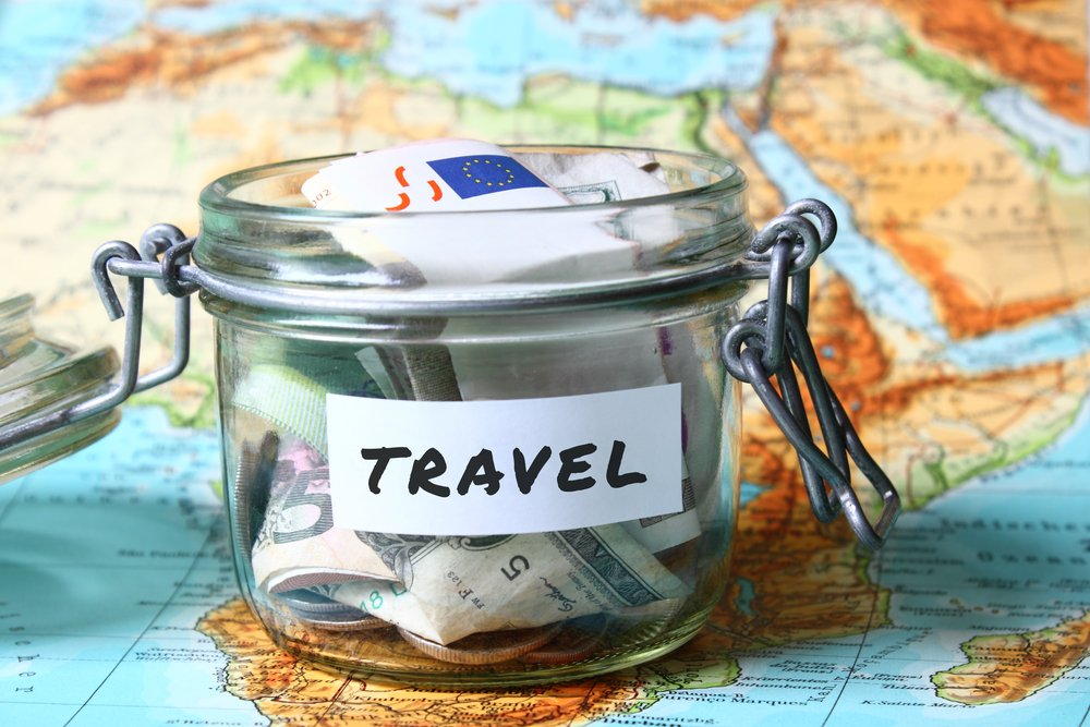 Money saving tips for family vacation