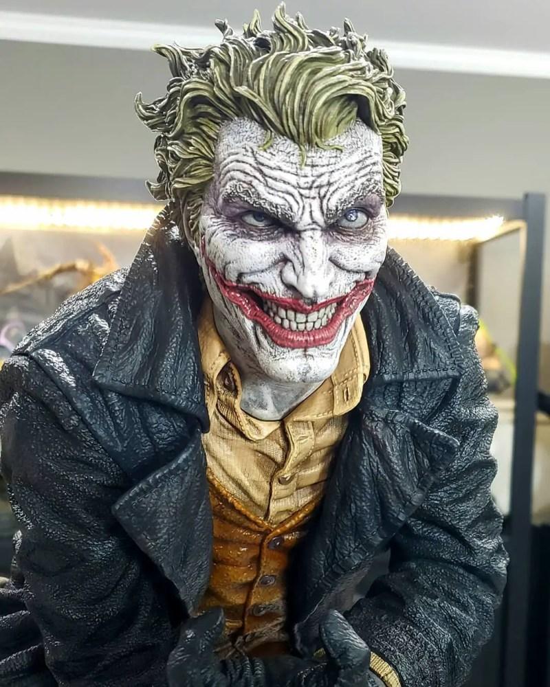 Lee Bermejo Joker Statue