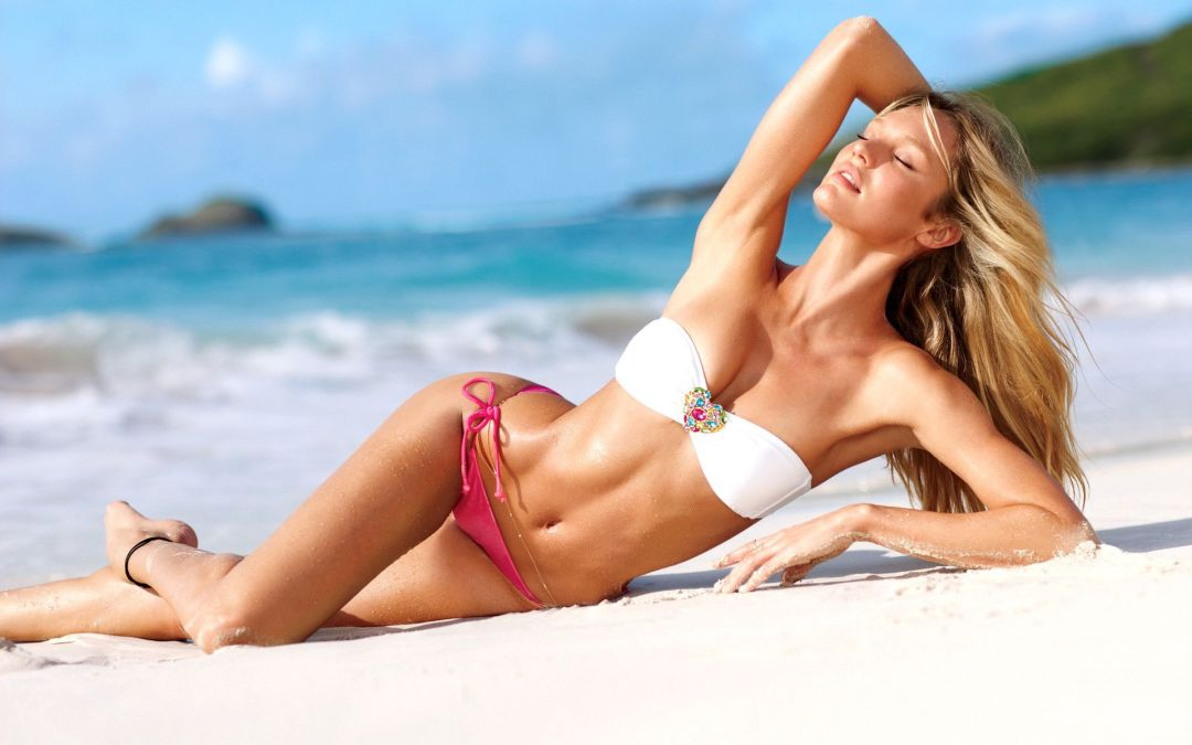 SA Model Candice Swanepoel Tops Maxim's 2014 Hot 100 List
