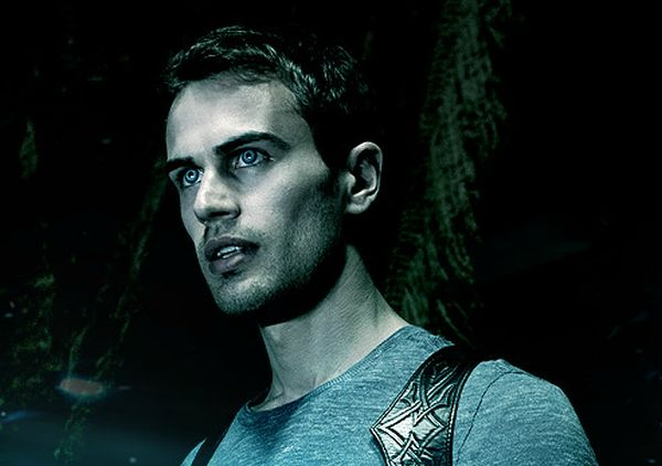 'Divergent' Star Theo James Will Lead 'Underworld 5'