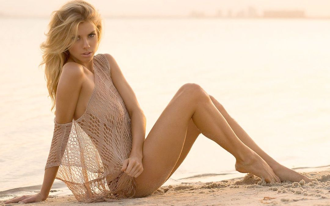 Wallpapers – Is Charlotte McKinney the Next Kate Upton?