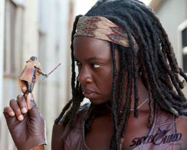 sexiest-walking-dead-babes-michonne