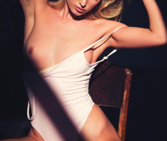 Also See 5 Sexiest Natalie Dormer Nude Gifs