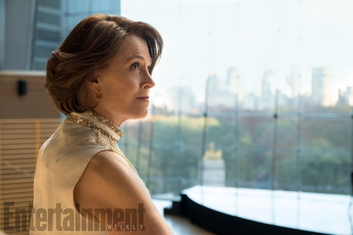 Marvel-The-Defenders-Sigourney-Weaver-1.jpg