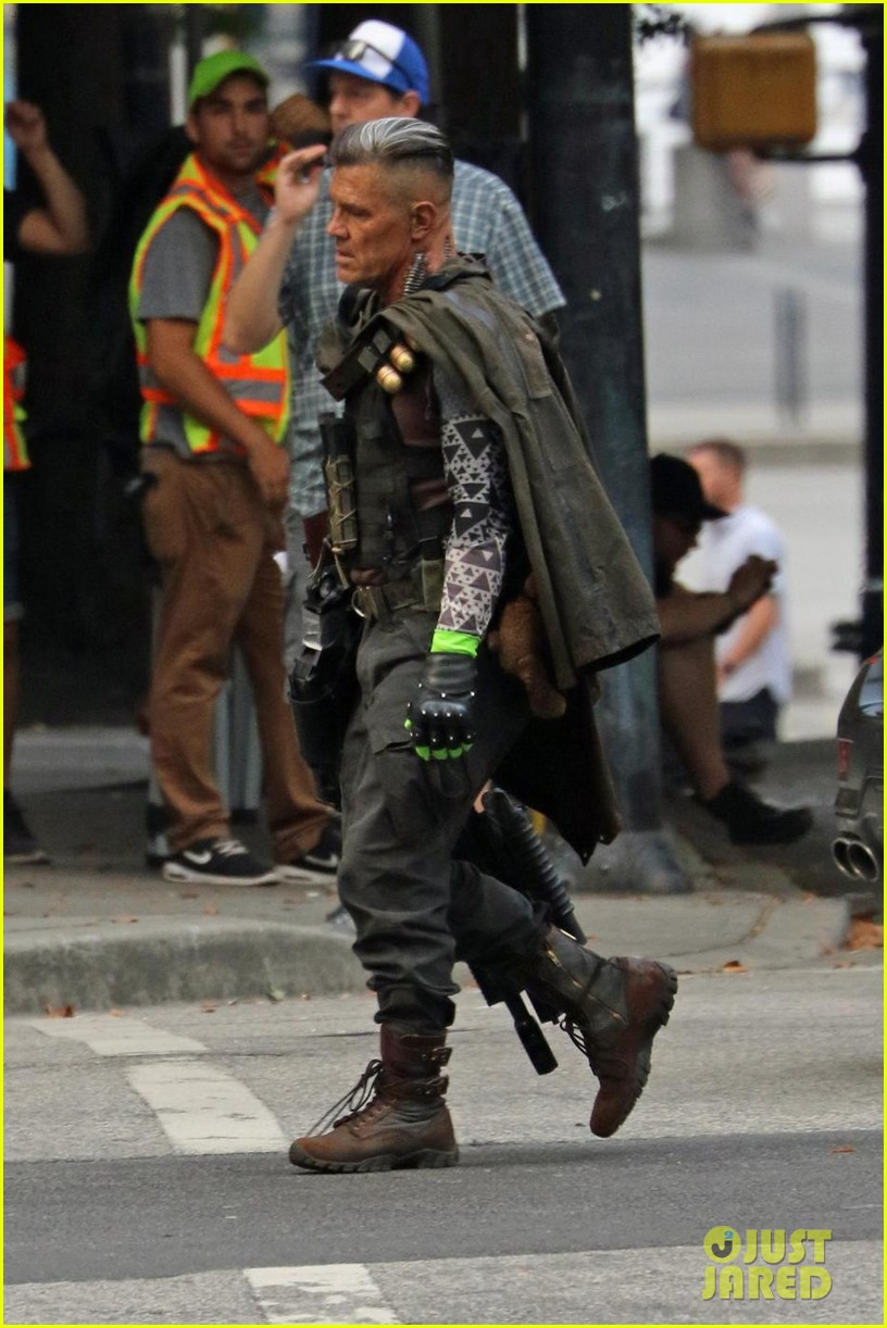 josh-brolin-spotted-in-costume-as-cable-on-deadpool-2-set-07