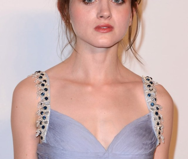 Sexy Pictures Of Natalia Dyer Will Cause You To Ache For Her
