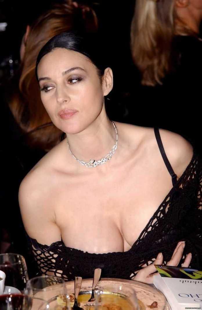 Monica Bellucci cleavage pics