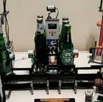 Máquina que abre y enfría las cervezas, construida con LEGO's – Excepcional!