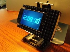 lego-dock-iphone-ipod-4