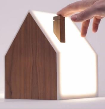 Good night lamp: Otro emprendimiento divertido que avisa cuando estás disponible