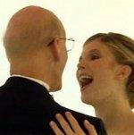 En un vídeo muy conmovedor, hija baila con su padre moribundo, en una boda sin novio