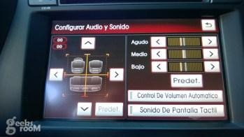 Kia-optima-hybrid-2013-32