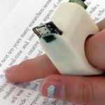 FingerReader es un gadget que ayudará a no videntes a leer texto impreso