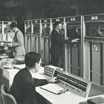 Alucinante colección de folletos de empresas de computación entre los años 1950 y 1980
