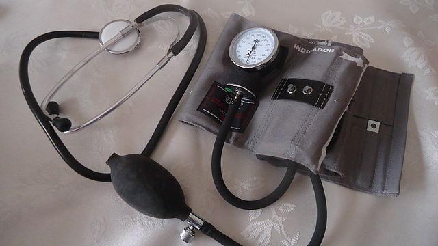 estetoscopio-medicina-wikimedia
