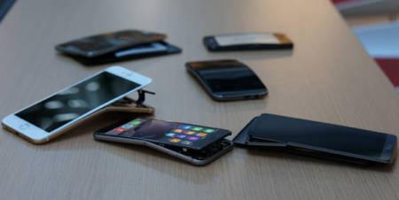 Dispersión de smartphones sometidos aprueba.  Foto: consumerreports.org