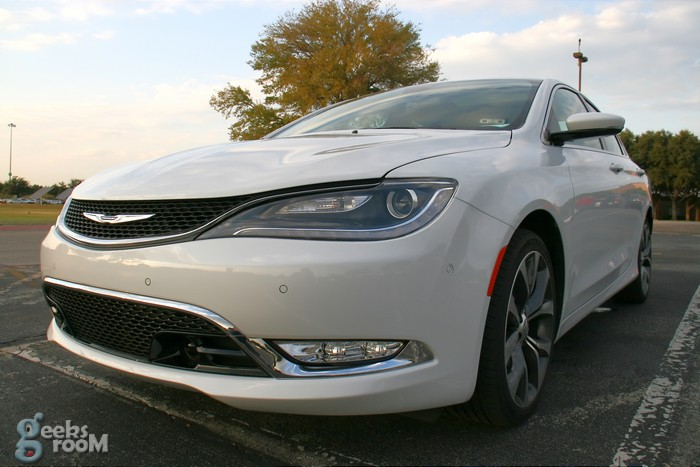 2015-chrysler-200c-awd-18