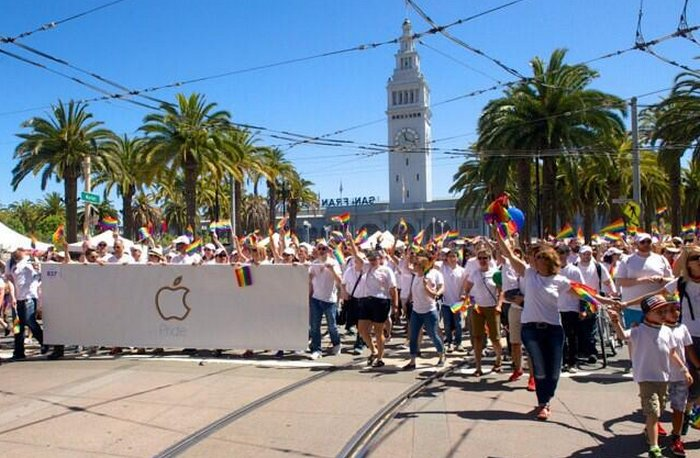 gay-pride-parade-apple-2015