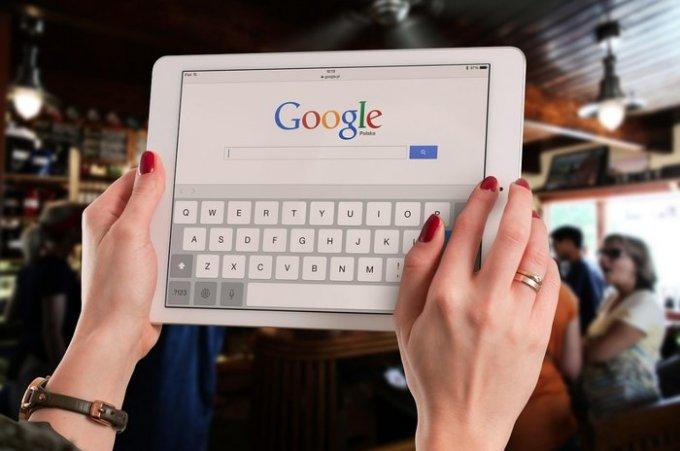 google-search-tablet-woman-pixabay