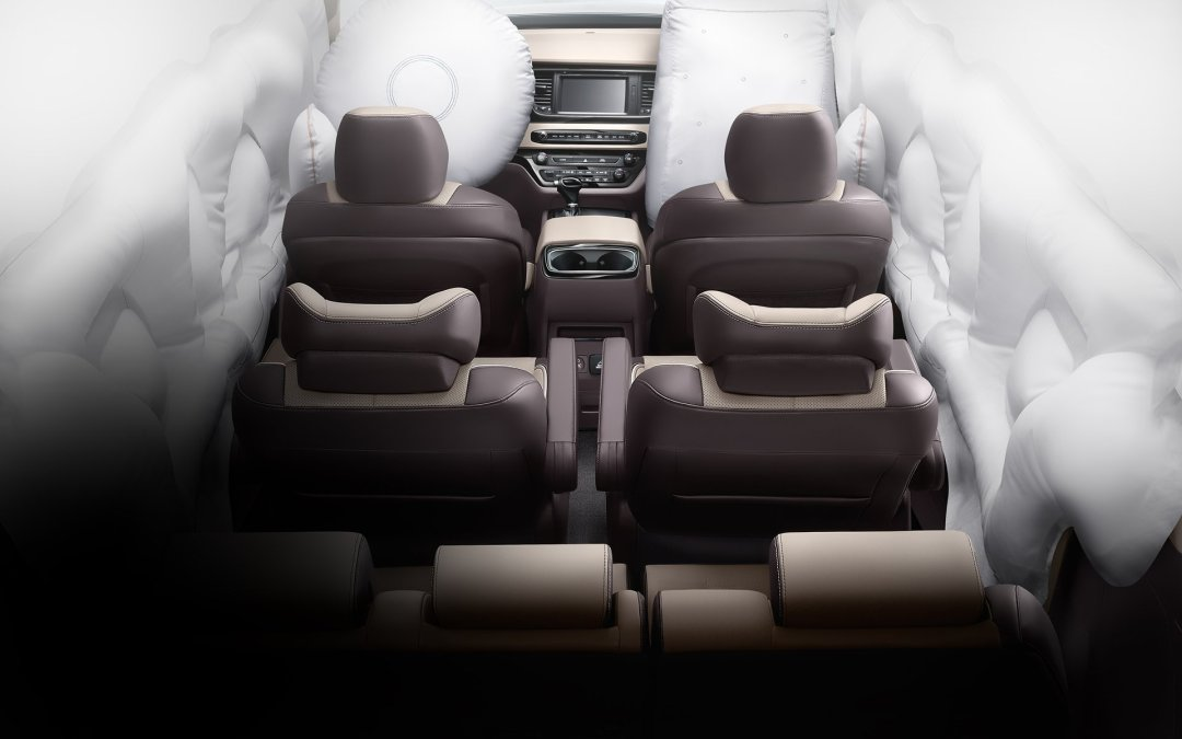 sedona_2016_safety_passive_airbags-