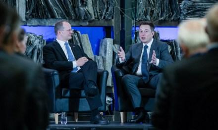 Tesla piensa en un transporte público autónomo para grandes ciudades