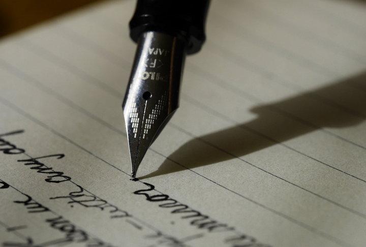 Desarrollan software que imita la escritura a mano de cualquier persona