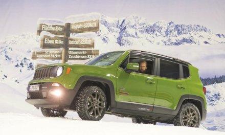 Prueban los neumáticos de invierno Kumho I'Zen RV KC15 con un Jeep Renegade en un centro de esquí