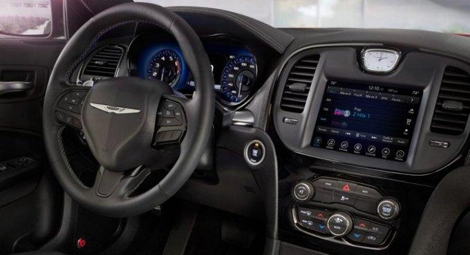 Chrysler 300 Uconnect