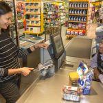 MasterdCard introduce tarjeta biométrica con sensor de huella dactilar