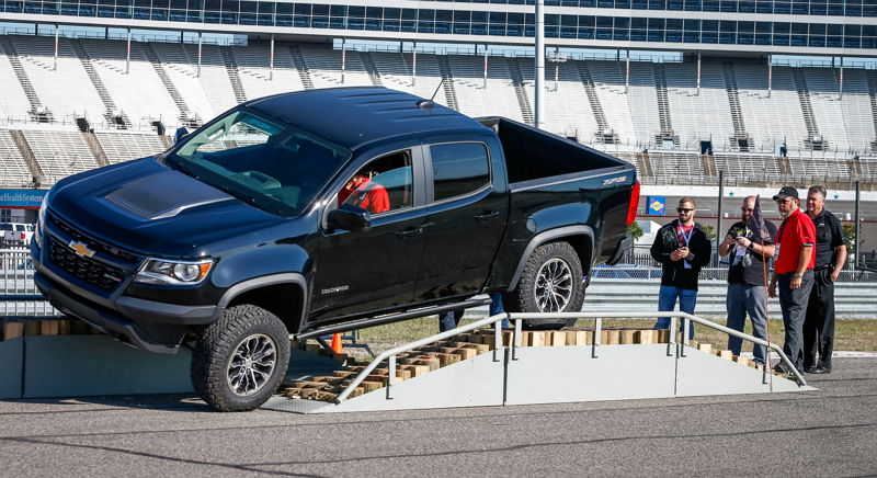 Chevrolet Colorado ZR2 2017 - FindNewRoads