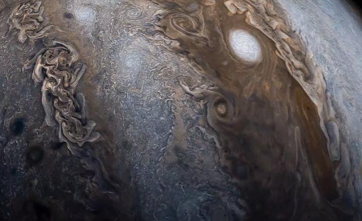 NASA - Sonda Espacial Juno - Júpiter