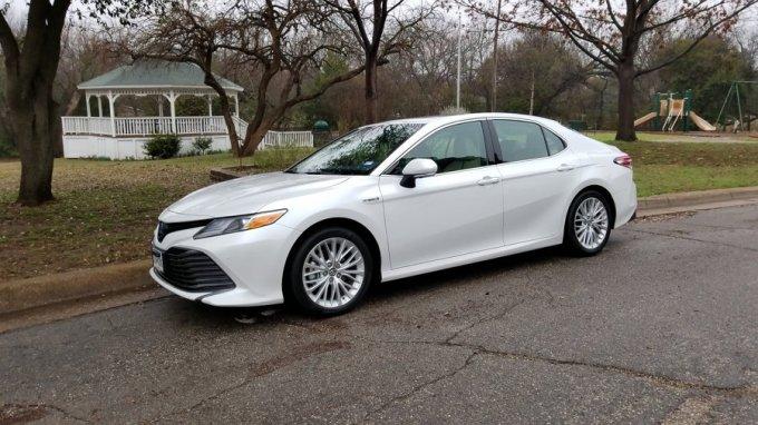 2018 Toyota Camry XLE Híbrido - Lo más leído
