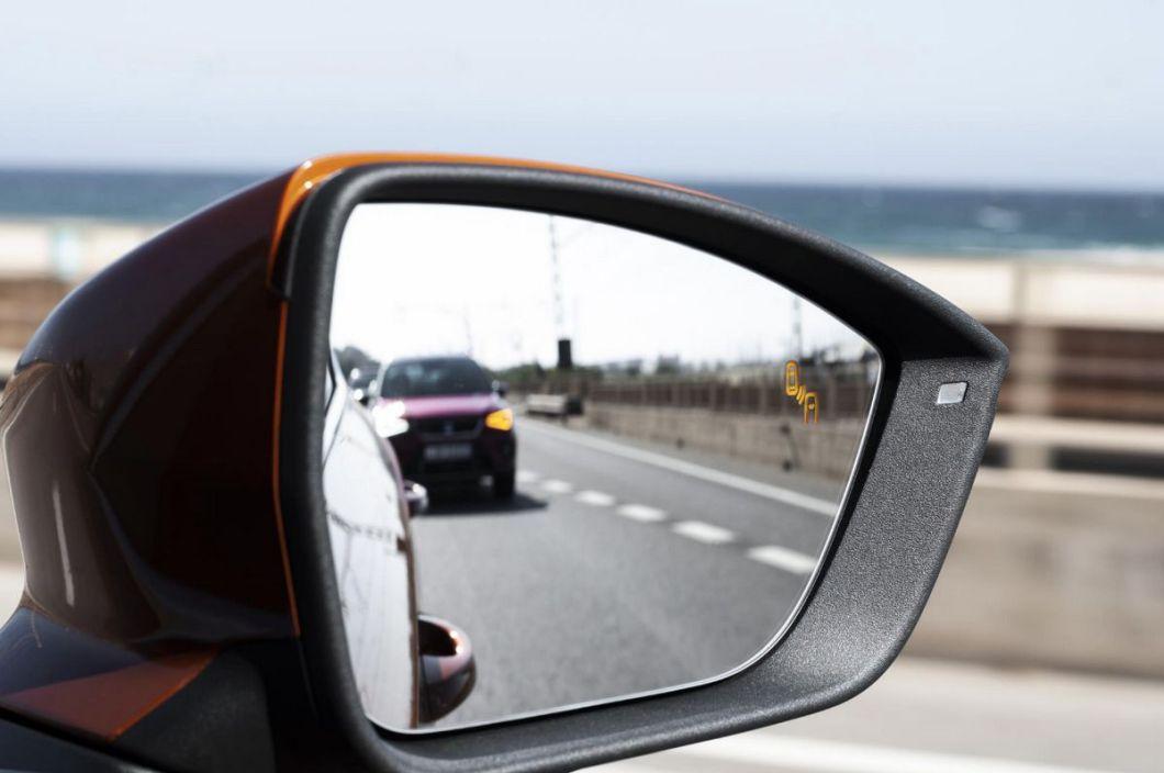 SEAT - Asistente de puntos ciegos