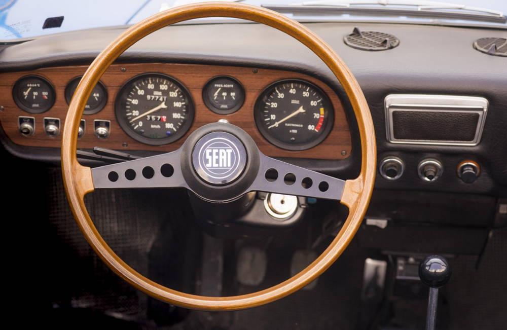 SEAT 850 Spider - Años 70 - Volante