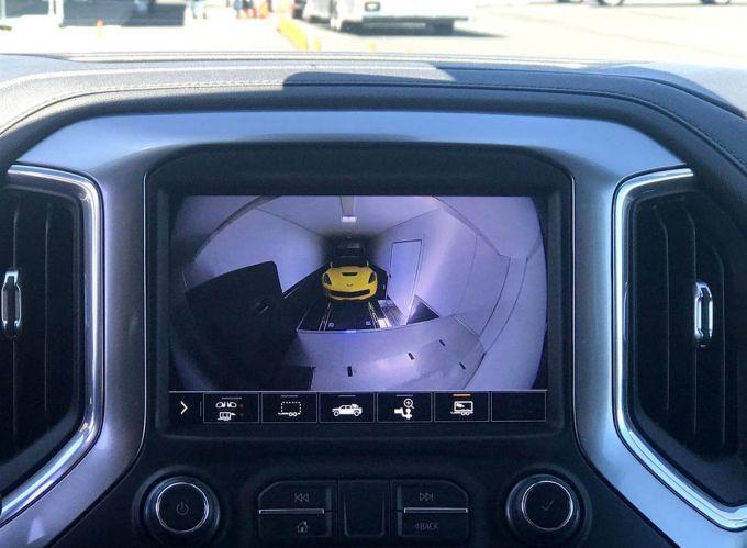 Chevy Silverado 3500 HD - Remolque Cámara Interior