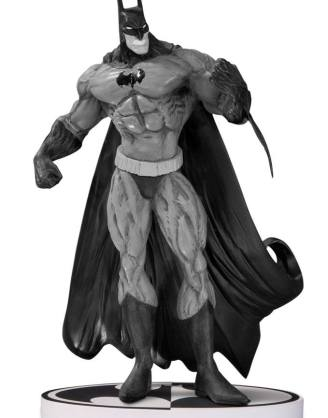 x_dccjun140332 Batman Black & White Statue Simon Bisley 2nd Edition 20 cm