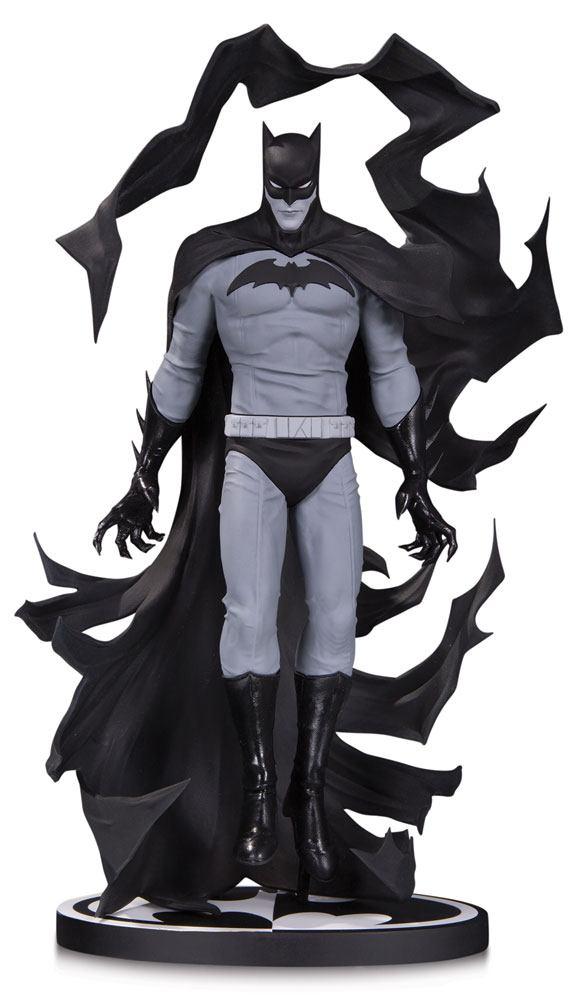 x_dccdec170419 Batman Black & White Statue Batman by Becky Cloonan 23 cm