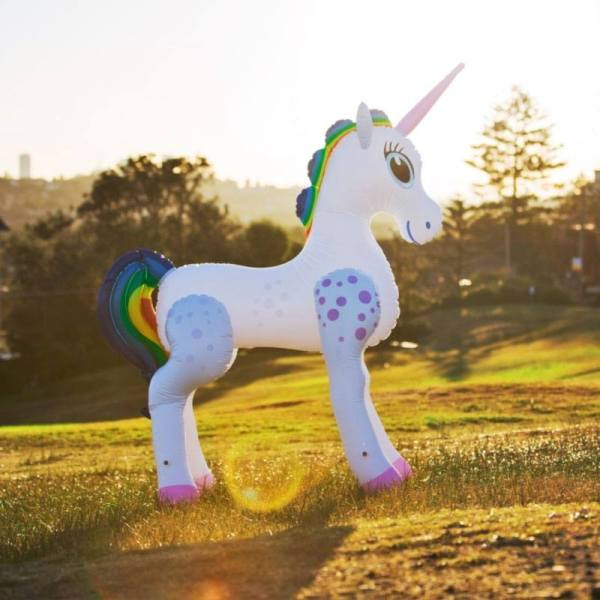 x_tmf-ifu1 Felfújható Inflatable Life-Size Unicorn 198 cm