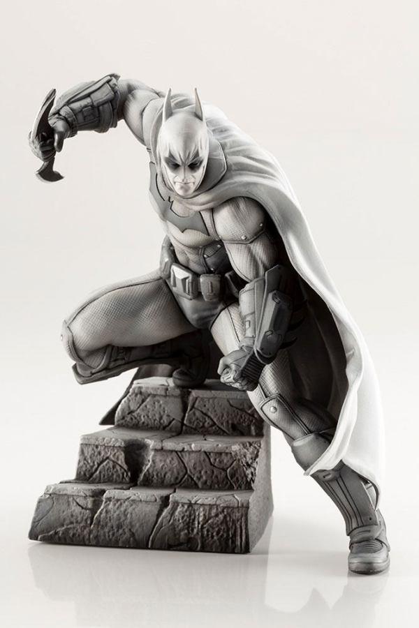 DC Comics ARTFX+ PVC Szobor - 1/10 Batman Arkham Series 10th Anniversary 16 cm