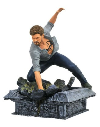 The Defenders Marvel TV Gallery PVC Szobor - Iron Fist 20 cm