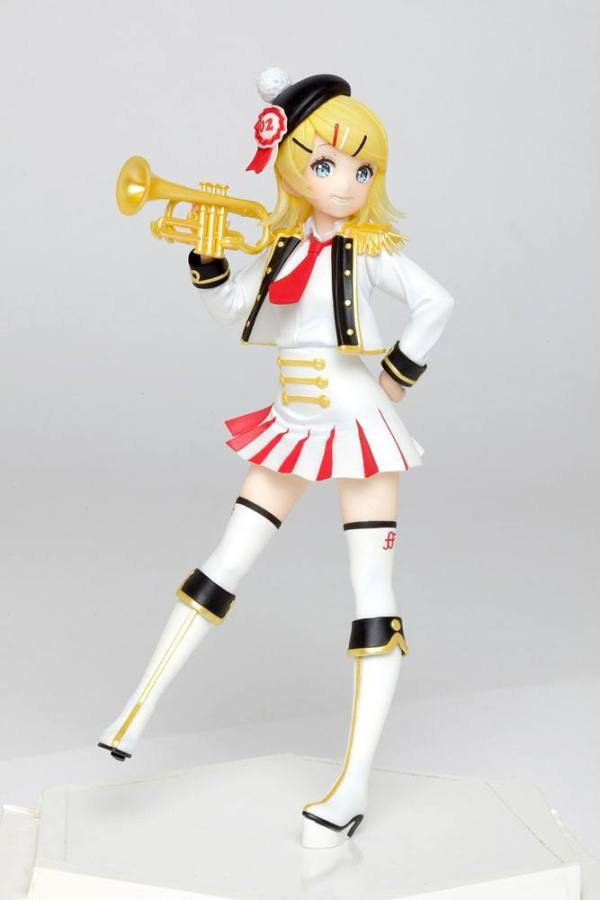 Character Vocal Series PVC Szobor - Kagamine Rin Winter Live Version 18 cm